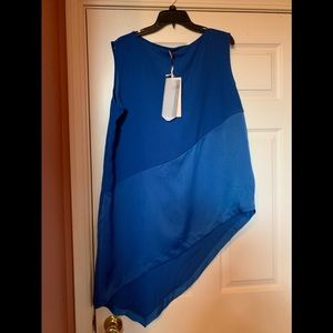New with tags Blue colorblock top